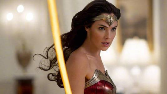 年度最佳英超电影《神奇女侠》 盖尔加朵再次化身战神